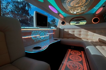 Аренда автомобиля Infiniti QX56  с водителем 1