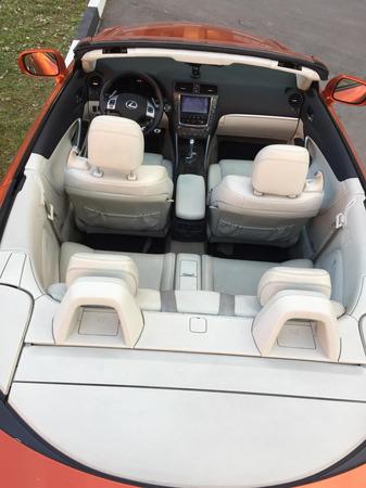 Аренда автомобиля Lexus IS 250C с водителем 0