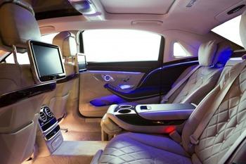 Аренда автомобиля Maybach S222 (черно-рубиновый) с водителем 3