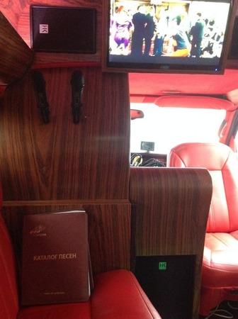 Аренда автомобиля GMC Savana (караоке-мобиль) с водителем 2