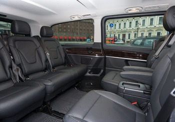 Аренда автомобиля Мерседес V-класс с водителем 0