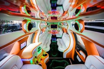 Аренда автомобиля Cadillac Escalade  с водителем 1