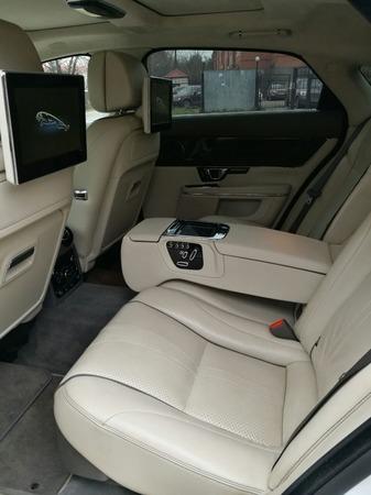Аренда автомобиля Jaguar XJ  с водителем 5