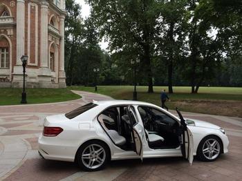 Аренда автомобиля Mercedes  Е 212  с водителем 3