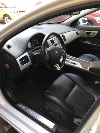 Аренда автомобиля Jaguar XF рестайлинг с водителем 3