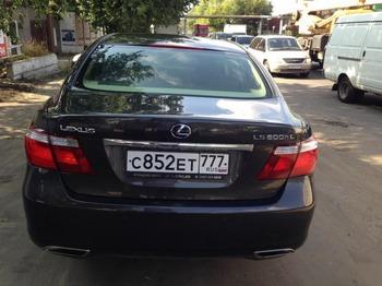 Аренда автомобиля Lexus LS600 (3 места, черный) с водителем 1
