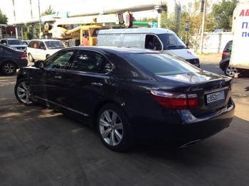 Аренда автомобиля Lexus LS600 (3 места, черный) с водителем 2