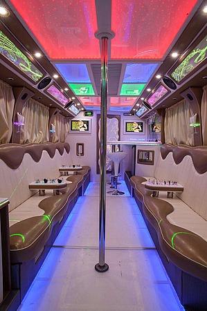 Аренда автомобиля Party Bus с водителем 3