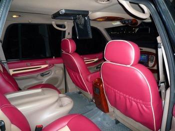 Аренда автомобиля Lincoln Navigator с водителем 2