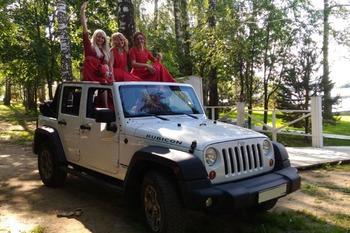Аренда автомобиля Jeep Wrangler с водителем 4