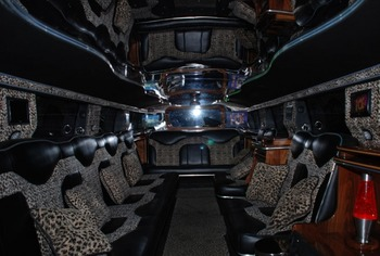Аренда автомобиля Hummer H2  с водителем 9