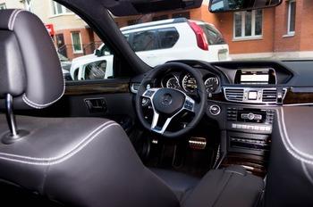 Аренда автомобиля Mercedes  E 212  с водителем 1