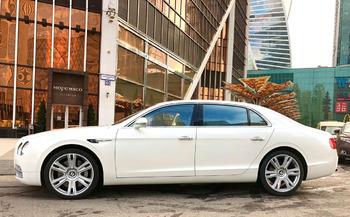 Аренда автомобиля Bentley Flying Spur с водителем 3