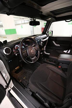 Аренда автомобиля Jeep Wrangler с водителем 3
