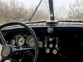 Аренда автомобиля BMW-321  с водителем 1