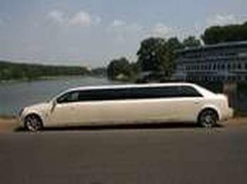 Аренда автомобиля Лимузин Cadillac CTS  с водителем 1