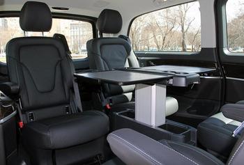 Аренда автомобиля Mercedes (V-класс)  с водителем 1