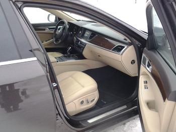 Аренда автомобиля Hyundai Genesis с водителем 3