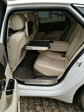 Аренда автомобиля Jaguar XJ  с водителем 3