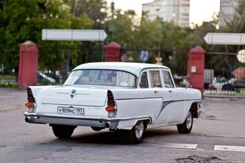 Аренда автомобиля Чайка (ГАЗ-13) белая  с водителем 3