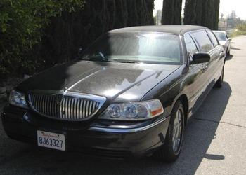 Аренда автомобиля Лимузин Lincoln Town Car (7 мест, черный)  с водителем